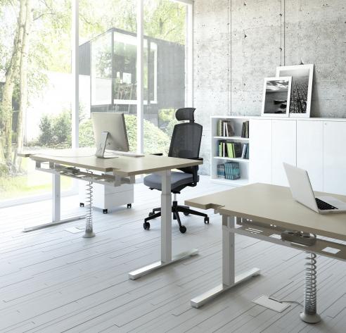 stock b roeinrichtungen g nstige und ergonomische schreibtische mit h ngeregistraturfach. Black Bedroom Furniture Sets. Home Design Ideas